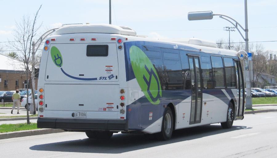 17_Autobus_BYD_Laval