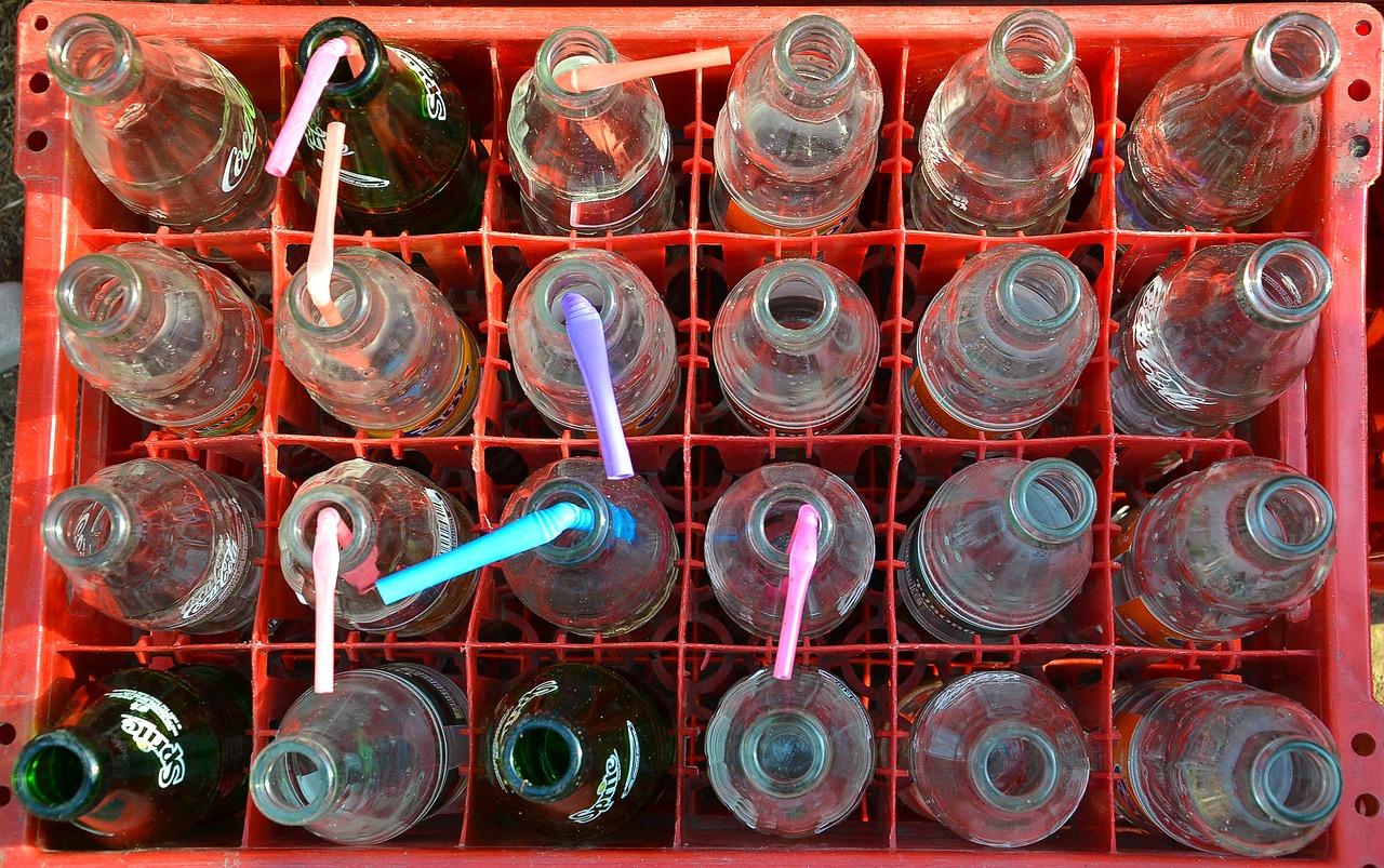 bottles-1893142_1280